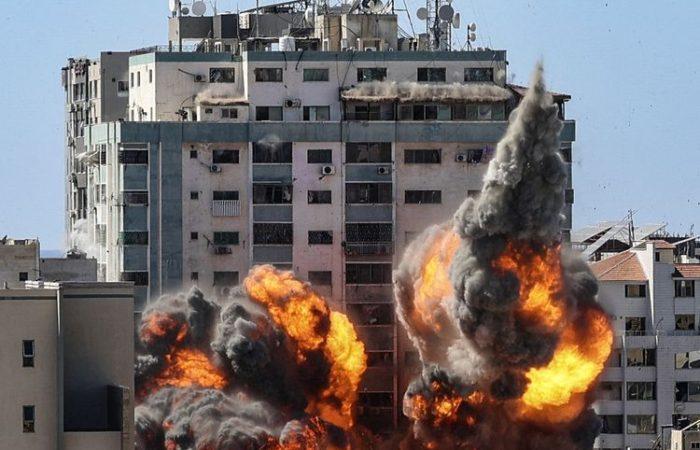 Saat pertempuran Gaza surut, komunitas Israel saling memandang dengan waspada