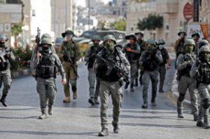 Pasukan Israel melakukan penangkapan atas pembobolan penjara Palestina